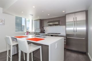"Photo 5: 1805 1009 HARWOOD Street in Vancouver: West End VW Condo for sale in ""MODERN"" (Vancouver West)  : MLS®# R2086833"