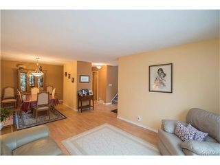 Photo 2: 147 Alburg Drive in Winnipeg: River Park South Residential for sale (2F)  : MLS®# 1703172