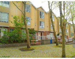 """Main Photo: 624 AGNES Street in New Westminster: Downtown NW Townhouse for sale in """"MCKENZIE STEPS"""" : MLS®# V624127"""