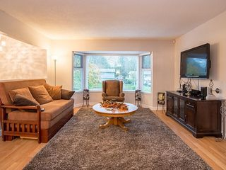 Photo 7: 9127 146A Street in Surrey: Bear Creek Green Timbers House for sale : MLS®# R2147099