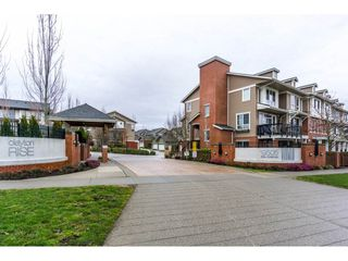 """Photo 1: 105 19505 68A Avenue in Surrey: Clayton Townhouse for sale in """"Clayton Rise"""" (Cloverdale)  : MLS®# R2147610"""