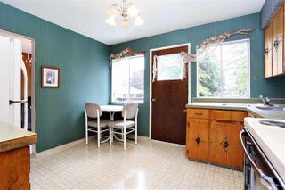 "Photo 10: 15930 ROPER Avenue: White Rock House for sale in ""WHITE ROCK"" (South Surrey White Rock)  : MLS®# R2152356"