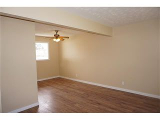 Photo 3: 2420 47 Street SE in Calgary: Forest Lawn House for sale : MLS®# C4114027