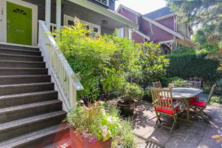 Photo 2: 164 W 13TH Avenue in Vancouver: Mount Pleasant VW Condo for sale (Vancouver West)  : MLS®# R2189894
