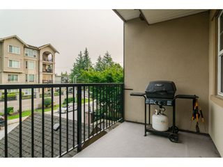 "Photo 6: 205 20286 53A Avenue in Langley: Langley City Condo for sale in ""CASA VERONA"" : MLS®# R2193599"