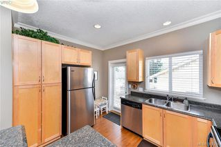 Photo 8: 3322 Blueberry Lane in VICTORIA: La Happy Valley Single Family Detached for sale (Langford)  : MLS®# 382289