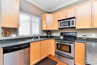 Photo 7: 3322 Blueberry Lane in VICTORIA: La Happy Valley Single Family Detached for sale (Langford)  : MLS®# 382289