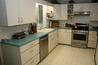 Photo 3: 7423 CRESTWOOD Drive in Sardis: Sardis West Vedder Rd House for sale : MLS®# R2203997