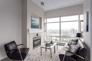 Photo 2: 3201 198 AQUARIUS MEWS in Vancouver: Yaletown Condo for sale (Vancouver West)  : MLS®# R2202359