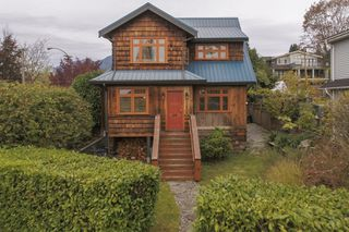 Photo 53: 402 E 5TH Street in North Vancouver: Lower Lonsdale House for sale : MLS®# R2221252