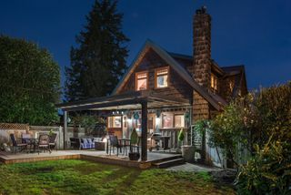Photo 4: 402 E 5TH Street in North Vancouver: Lower Lonsdale House for sale : MLS®# R2221252