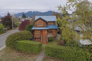 Photo 54: 402 E 5TH Street in North Vancouver: Lower Lonsdale House for sale : MLS®# R2221252