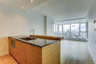 "Photo 5: 3010 4688 KINGSWAY in Burnaby: Metrotown Condo for sale in ""STATION SQUARE"" (Burnaby South)  : MLS®# R2230142"
