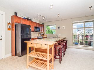 "Photo 4: 205 1174 WINGTIP Place in Squamish: Downtown SQ Condo for sale in ""Talon at Eaglewind"" : MLS®# R2240739"
