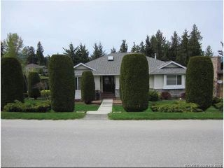 Photo 1: 2915 Canada Way in Sorrento: Cedar Heights House for sale : MLS®# 10148684