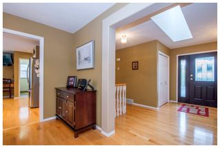 Photo 4: 2915 Canada Way in Sorrento: Cedar Heights House for sale : MLS®# 10148684
