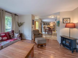 Photo 12: 8056 COOPER Road in Halfmoon Bay: Halfmn Bay Secret Cv Redroofs House for sale (Sunshine Coast)  : MLS®# R2254161