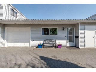 Photo 1: 2 45384 HODGINS Avenue in Chilliwack: Chilliwack W Young-Well Townhouse for sale : MLS®# R2263518