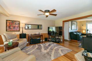 Photo 3: 22210 136 Avenue in Maple Ridge: North Maple Ridge House for sale : MLS®# R2315206