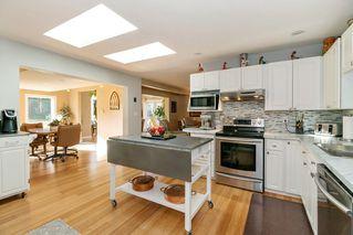 Photo 5: 22210 136 Avenue in Maple Ridge: North Maple Ridge House for sale : MLS®# R2315206