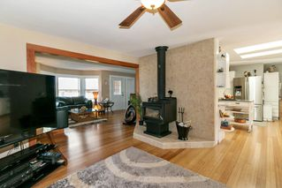 Photo 4: 22210 136 Avenue in Maple Ridge: North Maple Ridge House for sale : MLS®# R2315206