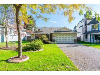 "Main Photo: 9266 154 Street in Surrey: Fleetwood Tynehead House for sale in ""BERKSHIRE PARK"" : MLS®# R2313139"