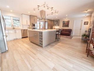 Photo 7: 5304 141 Street in Edmonton: Zone 14 House for sale : MLS®# E4144576