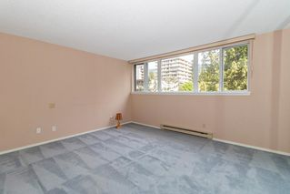 Photo 13: 401 1455 DUCHESS Avenue in West Vancouver: Ambleside Condo for sale : MLS®# R2364582