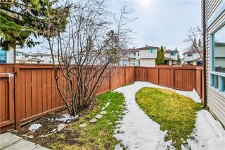 Photo 2: 60 1155 FALCONRIDGE Drive NE in Calgary: Falconridge Row/Townhouse for sale : MLS®# C4242650