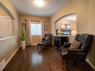 Photo 3: 3247 WHITELAW Drive in Edmonton: Zone 56 House for sale : MLS®# E4155835