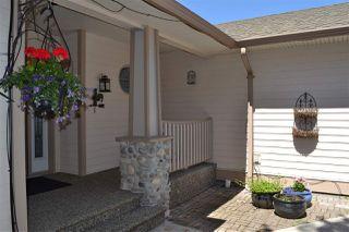 Photo 2: 5315 CEDARVIEW Place in Sechelt: Sechelt District House for sale (Sunshine Coast)  : MLS®# R2368813