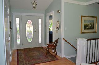 Photo 3: 5315 CEDARVIEW Place in Sechelt: Sechelt District House for sale (Sunshine Coast)  : MLS®# R2368813