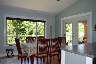 Photo 9: 5315 CEDARVIEW Place in Sechelt: Sechelt District House for sale (Sunshine Coast)  : MLS®# R2368813