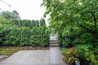 Photo 2: 5 2115 SPRING Street in Port Moody: Port Moody Centre Townhouse for sale : MLS®# R2370282