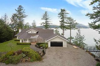 "Main Photo: 510 SMUGGLERS COVE Road: Bowen Island House for sale in ""Hood Point West"" : MLS®# R2437297"