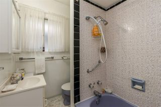 Photo 28: 2697 DUNDAS Street in Vancouver: Hastings House for sale (Vancouver East)  : MLS®# R2471004
