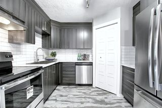 Photo 2: 94 3809 45 Street SW in Calgary: Glenbrook Row/Townhouse for sale : MLS®# A1012814