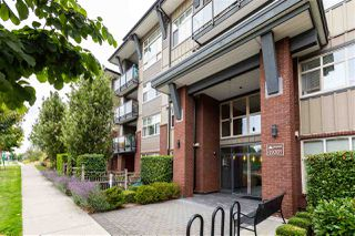 Photo 5: 409 19201 66A Avenue in Surrey: Clayton Condo for sale (Cloverdale)  : MLS®# R2494746