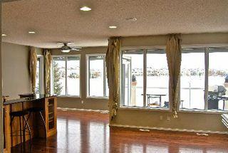 Photo 2: 411 CALDERON CRESCENT in Edmonton: House for sale (Cumberland)  : MLS®# E3282766