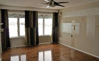 Photo 11: 411 CALDERON CRESCENT in Edmonton: House for sale (Cumberland)  : MLS®# E3282766