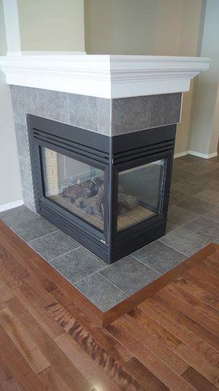 Photo 5: 411 CALDERON CRESCENT in Edmonton: House for sale (Cumberland)  : MLS®# E3282766