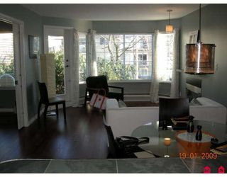 Photo 2: 103 1369 GEORGE Street: White Rock Condo for sale (South Surrey White Rock)  : MLS®# F2900966