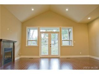 Photo 6: 3633 Coleman Place in Victoria: Co Latoria Single Family Detached for sale (Colwood)  : MLS®# 302702