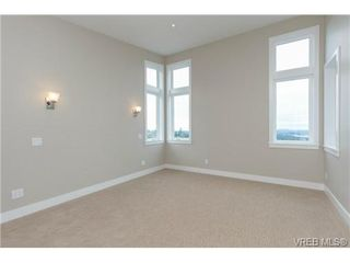 Photo 11: 704 Demel Place in VICTORIA: Co Triangle Single Family Detached for sale (Colwood)  : MLS®# 344193