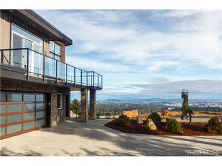 Photo 2: 704 Demel Place in VICTORIA: Co Triangle Single Family Detached for sale (Colwood)  : MLS®# 344193