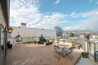 "Photo 3: 6 1375 W 10TH Avenue in Vancouver: Fairview VW Condo for sale in ""HEMLOCK HOUSE"" (Vancouver West)  : MLS®# V1107342"