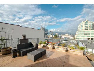 "Photo 5: 6 1375 W 10TH Avenue in Vancouver: Fairview VW Condo for sale in ""HEMLOCK HOUSE"" (Vancouver West)  : MLS®# V1107342"
