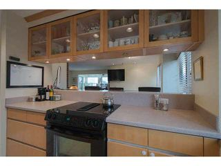 "Photo 17: 6 1375 W 10TH Avenue in Vancouver: Fairview VW Condo for sale in ""HEMLOCK HOUSE"" (Vancouver West)  : MLS®# V1107342"