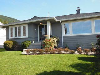 "Photo 1: 4484 CANTERBURY Crescent in North Vancouver: Forest Hills NV House for sale in ""FOREST HILLS"" : MLS®# V1110439"