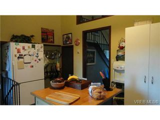 Photo 18: 523 Leaside Pl in VICTORIA: SW Glanford House for sale (Saanich West)  : MLS®# 695489